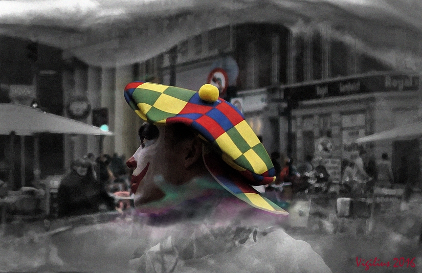 Clown at work v2